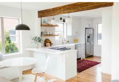 9 Honest Cool Tips: Full Kitchen Remodel Cost affordable kitchen remodel cutting boards.Apartment Kitchen Remodel Pantry Doors small kitchen remodel with table. Kitchen Living, Diy Kitchen, Kitchen Decor, Kitchen Ideas, Half Wall Kitchen, 1960s Kitchen, Kitchen Post, Rental Kitchen, Kitchen Tables