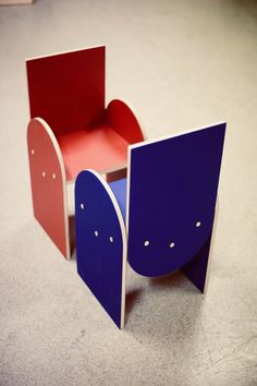 New kids chair! Geometric shapes, simple and playful. Funky Chairs, Ministry Of Education, House Drawing, New Kids, Scandinavian Design, Geometric Shapes, Toy Chest, Storage Chest, Drawings