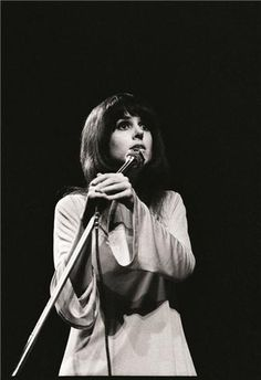 Grace Slick performing at the Fillmore East