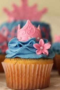 9 Fancy Foods For A Disney Princess-Themed Movie Night.  Cupcakes    A princess theme has to include the picture perfect cupcake. Add a fun, little activity into the schedule during intermission and decorate your own with fun toppings, sprinkles and decorations.   Image via Cupcations