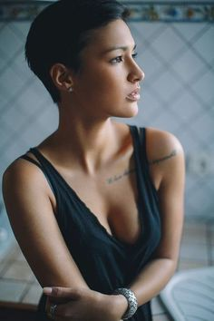 Distractify | 27 Gorgeous Women Whose Short Hair Was Cut By Heaven's Scissors