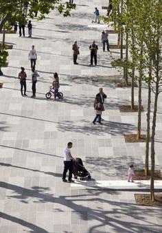 Arquitectura y Paisaje: la mayor plaza peatonal de París convertida en un centro de intercambio y movimiento