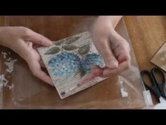 Cómo hacer símil trencadis con acetato - How to make faux trencadis on acetate - YouTube Napkins, Diy, Crystals, Painting, Videos, Pirates, Pasta, House, Picture Frames