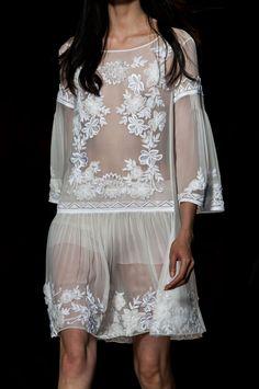 176 details photos of Alberta Ferretti at Milan Fashion Week Spring 2015.