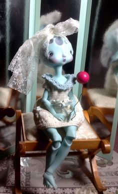 Moon and her balloon; beautiful doll by Nefer Kane Doll Parts, Doll Maker, Ball Jointed Dolls, Beautiful Dolls, Bjd, Sculpting, Action Figures, Whimsical, Balloons