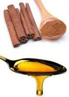 O MEL E A CANELA  Qual é o único alimento que não se estraga? O mel das abelhas.  A mistura de Mel e Canela cura a maioria das doenças. O ...