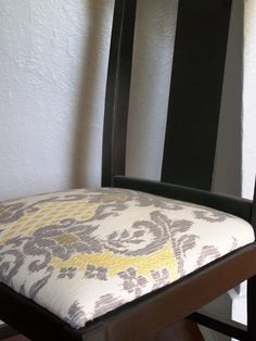 Love The Way Fabric Looks On This Dining Room Chair Should Be An Easy