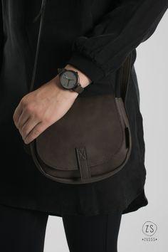 Small black leathet purse