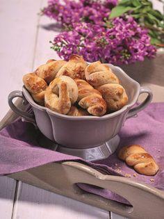 Πασχαλινά κουλουράκια από τη Χίο - www.olivemagazine.gr About Easter, Breakfast Snacks, Greek Recipes, Muffin, Sweet Home, Cooking Recipes, Sweets, Cookies, Cake