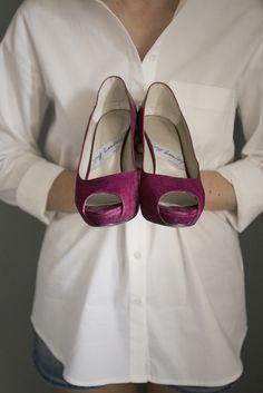 Susana encargó sus #zapatos de #novia en JorgeLarranaga.com 4ª #generación de #artesanos #zapateros en #madrid haciendo los #peeptoes de tus sueños siempre con #calidad y #diseño #WEDDINGSHOES #WEDDINGS #SHOES #PEEPTOE #PUMPS #PEEPS #BRIDALPUMPS #BRIDALPEEPS #BRIDALSHOES