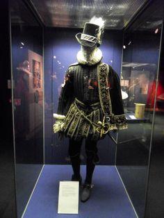 Elisabethanisches Kostüm im Globe Theatre