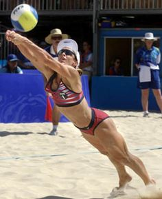 Beautiful Girls In Women'S Volleyball Beach Volleyball Girls, Volleyball Outfits, Volleyball Pictures, Women Volleyball, Olympic Gymnastics, Olympic Games, Laura Ludwig, Female Volleyball Players, Muscle Girls