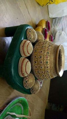 Kalash and kobbari decorations Marriage Decoration, Wedding Stage Decorations, Diwali Decorations, Festival Decorations, Flower Decorations, Garland Wedding, Kalash Decoration, Thali Decoration Ideas, Coconut Beach