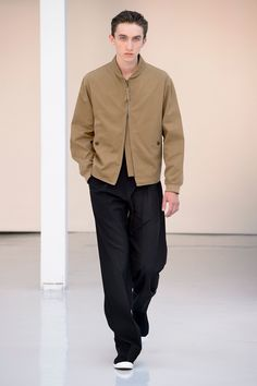 05. Zipped blouson in cotton gabardine, tee-shirt in mercerized cotton jersey, two pleated large pants in lightweight virgin wool, high cut sneakers in cotton denim #lemaire