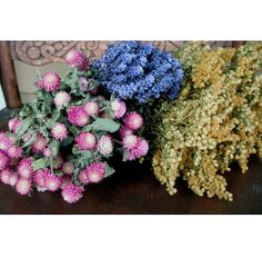 Have always loved dried flowers Fall Arrangements, Dried Flower Arrangements, Beautiful Flower Arrangements, Dried Flowers, Beautiful Flowers, Flower Crafts, Craft Flowers, Forever Flowers, Bunch Of Flowers