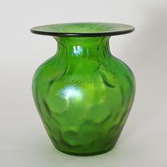 Antiques Atlas - Loetz Iridescent Glass Vase In Crete Rusticana Art Nouveau, Art Deco, Iris, Jugendstil Design, Mantle Clock, Glass Texture, Antique Glass, Crete, Colored Glass