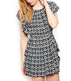 £25.00 New Look AX Paris Black Abstract Print Ruffle Dress