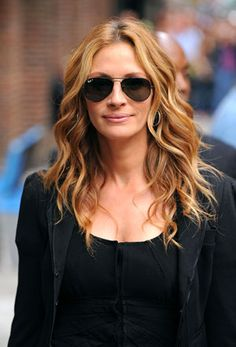 Google Image Result for http://www.style.com/blogs/beautycounter/wp-content/uploads/2009/12/juliaroberts.jpg