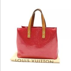 ❗️SOLD❗️Louis Vuitton shoulder bag Pre love Louis Vuitton bag if interested please email me  (swindawi at gmail ) dust bag is included. Only accept ️ay️al and ♍️ercari willing to offer payment plan Bags
