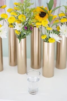 Can use any color paint. Lots of instant vases for centerpieces. Make a Modern Spring Centerpiece Using Just Gold Spray Paint and PVC Pipe Diy Projects Using Pvc Pipe, Pvc Pipe Crafts, Diy Home Decor Projects, Diy And Crafts, Craft Projects, Project Ideas, Gold Spray Paint, Copper Paint, Deco Floral
