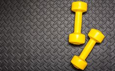 Tone your entire body in half an hour with this no-joke dumbbell workout. - Fitnessmagazine.com
