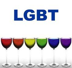 """Петербургские активисты ЛГБТ – сообщества """"Равноправие"""" пытаются во что бы то ни стало согласовать проведение гей-парада в Северной столице."""