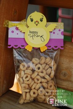 Crafty Teacher Mom: Easter treat bag topper