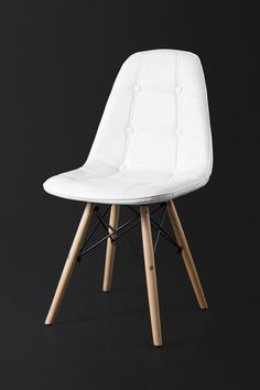 PU leather seat Beech wood legs with metal support x x cm No assembly required