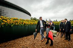 Van Gogh Museum opens new entrance with a labyrinth of 125,000 sunflowers