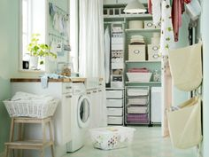 Love this super organised laundry room, practical & pretty!