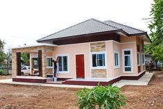 This tropical style one storey house design has 3 bedrooms, 2 bathrooms, 135 square meters total floor area. Proportion is the key in the layout, with the entry porch opening to the living area, and a Modern Tropical House, Tropical House Design, Small House Design, Tropical Style, Modern Bungalow House Plans, Bungalow Style House, Small Bungalow, Porch House Plans, Courtyard House Plans