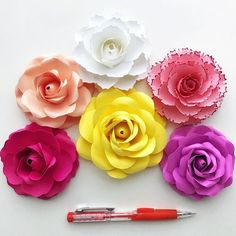 DETAILS: File Type: PDF No. of Petal Sizes: 6 different Petal Sizes Paper Size: A4 (8.5x11) Paper Paper Weight: 65-80 lbs cardstock WHAT WILL YOU GET: 4 PDF file containing 6 sizes Template for Tiny Rose #5 1 Word Doc containing the sizes and Petal counts including the link for