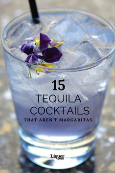 15 Amazing Tequila Cocktails That Aren't Margaritas: Your old favorite tequila drink has some delicious competition. 15 Amazing Tequila Cocktails That Aren't Margaritas: Your old favorite tequila drink has some delicious competition. Mezcal Cocktails, Cocktails To Try, Fancy Drinks, Bar Drinks, Cocktail Drinks, Beverages, Classic Cocktails, Cocktail Tequila, Paloma Cocktail