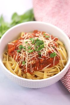 The best Marinara Sauce made from scratch and homemade - Marinara Sauce - Marinara Sauce From Scratch, Best Marinara Sauce, Tomato Sauce, Pasta Marinara, Mexican Salsa Recipes, Italian Recipes, Maranara Sauce Recipe, Pasta Dishes, Food Dishes