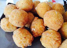 Mozzarelline fritte con pomodori secchi e acciughe   Food Loft - Il sito web ufficiale di Simone Rugiati