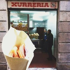 Things you eat in Barcelona... Xurros! ('Churros' in Catalan) <3