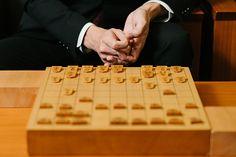 囲碁・将棋での人工知能と棋士の闘いに決着がつきつつある。囲碁の世界では昨年トップ棋士が人工知能に敗れるという事態が起きた。