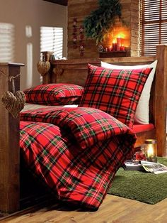 25 Red Bedroom Design Ideas Interiorforlife.com Love plaid