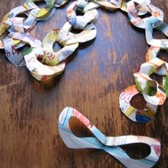 A lovely paper chain tutorial, all you need is some paper and a pair of scissors!