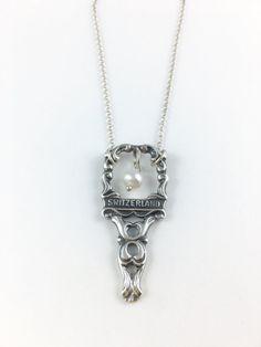 Der Schweiz Halskette Schweiz Schmuck Charme von GeorginaBaker