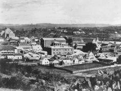 StateLibQld_1_63671_Town_of_Brisbane,_ca._1870.jpg 1,000×755 pixels