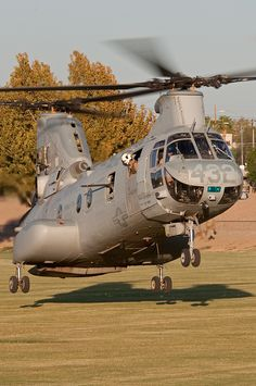 Boeing/Vertol CH-46e Sea Knight - workhorse of the US Marine Corps
