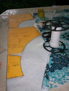 Agulha de ouro Ateliê: calcinha passo a passo Lingerie Patterns, Dress Patterns, Sewing Patterns, Sewing Projects, Projects To Try, Orange Bikini, Bikini Underwear, Pattern Making, Diy