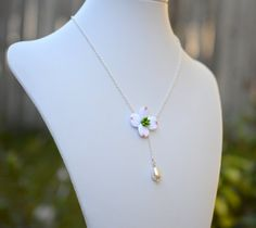 Dogwood and Pearl Necklace, Dogwood Jewelry, Dogwood flower necklace, Dogwood spring jewelry, Dogwood Jewelry theme