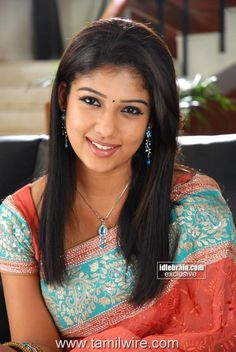 Homely looking Nayanthara South Actress, South Indian Actress, Beautiful Women Pictures, Gorgeous Women, India Beauty, Asian Beauty, Nayantara Hot, Indian Face, Beautiful Bollywood Actress