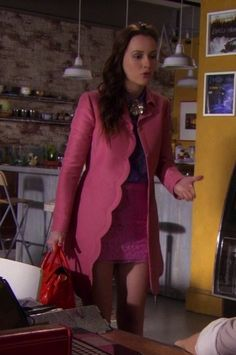 Blair Waldorf Fashion: 5x24 The Return Of The Ring (Valentino coat, Sportmax top, Alberta Ferretti skirt, and Mulberry bag) #blair_waldorf_ring