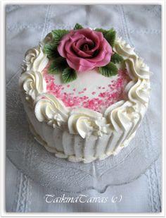 Cake by TaikinaTaivas - Vuodatus.net Lassi, Kermit, Birthdays, Desserts, Cakes, Food, Pastries, Anniversaries, Tailgate Desserts