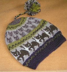 I designed this hat when participating to a KAL about Halloween.