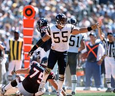 The best athletes who never won a title-Junior Seau    Even though he was a 10-time All Pro selection, 12-time Pro Bowler, a member of the NFL's 1990s All-Decade team, and a posthumous Hall of Fame selection, Junior Seau never won a Super Bowl. Seau made it to the big game twice, once in 1994 with the San Diego Chargers, and once in 2007 with New England Patriots, but his team came up short both times.
