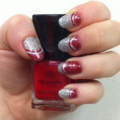 More glitter! I'm officially addicted :) #antondesigns #alessandrointernationalcanada  #baronessecosmetics #christmasnails #holidaynails #holiday #christmas #nail #nailart #naildesigns #gel #gelmanicure #gelnails #glitter